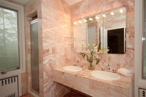розовый мрамор столешница