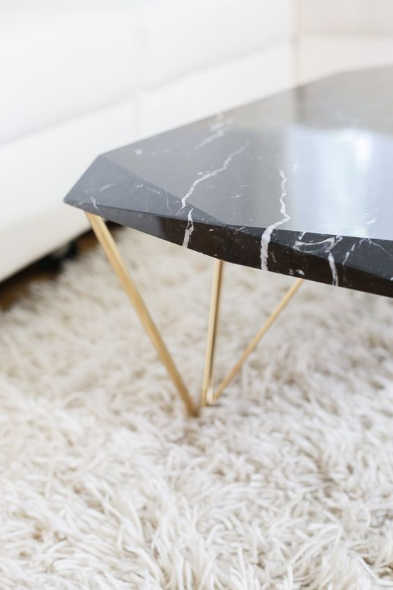 журнальный столик из мрамора