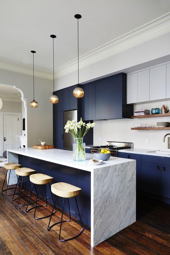 кухонный стол из мрамора