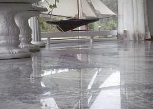 Серый мрамор в интерьере
