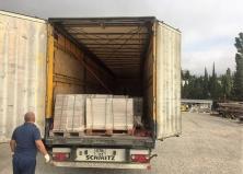 Поступление травертина на склад в Крыму