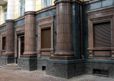 Очистка фасадов из гранита